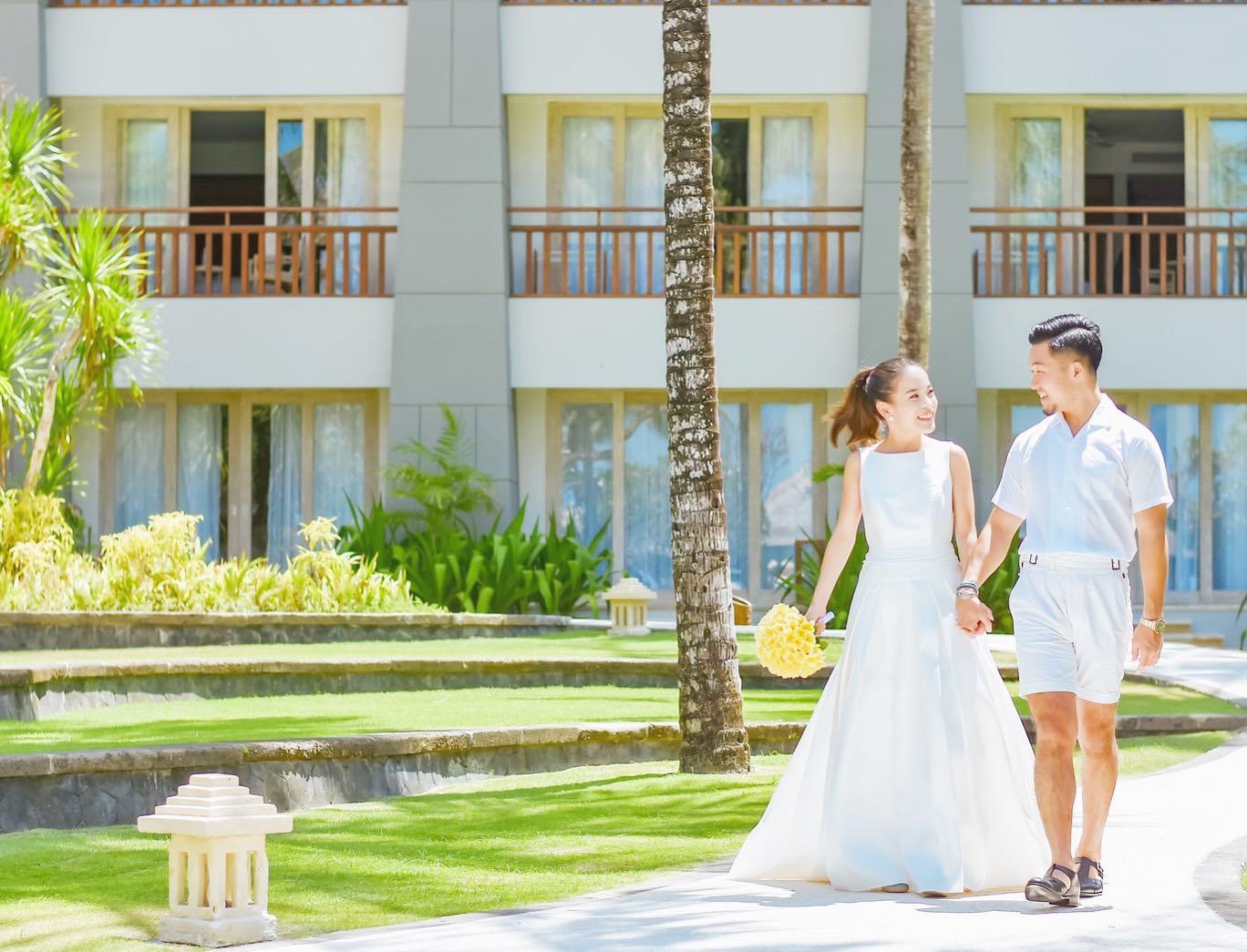 ・おふたりらしいロケーションでおふたりらしいコーディネートで「スキ」を沢山詰め込んだお写真を残しませんか?・legeretesではご希望をお伺いし素敵なロケーション撮影をプロデュース致します・まずはお気軽にDMからご相談下さい🕊・#wedding #weddingdress #legeretes #claras #paris #vowrenewal#ウェディングドレス #プレ花嫁 #ドレス試着 #2021春婚 #2021夏婚 #2021冬婚 #ヘアメイク #結婚式  #ドレス選び #前撮り #後撮り #フォトウェディング #ウェディングヘア  #フォト婚 #前撮り写真 #ブライダルフォト #カップルフォト #ウェディングドレス探し #ウェディングドレス試着 #レンタルドレス #ドレスショップ #家族婚 #バウリニューアル #記念日婚